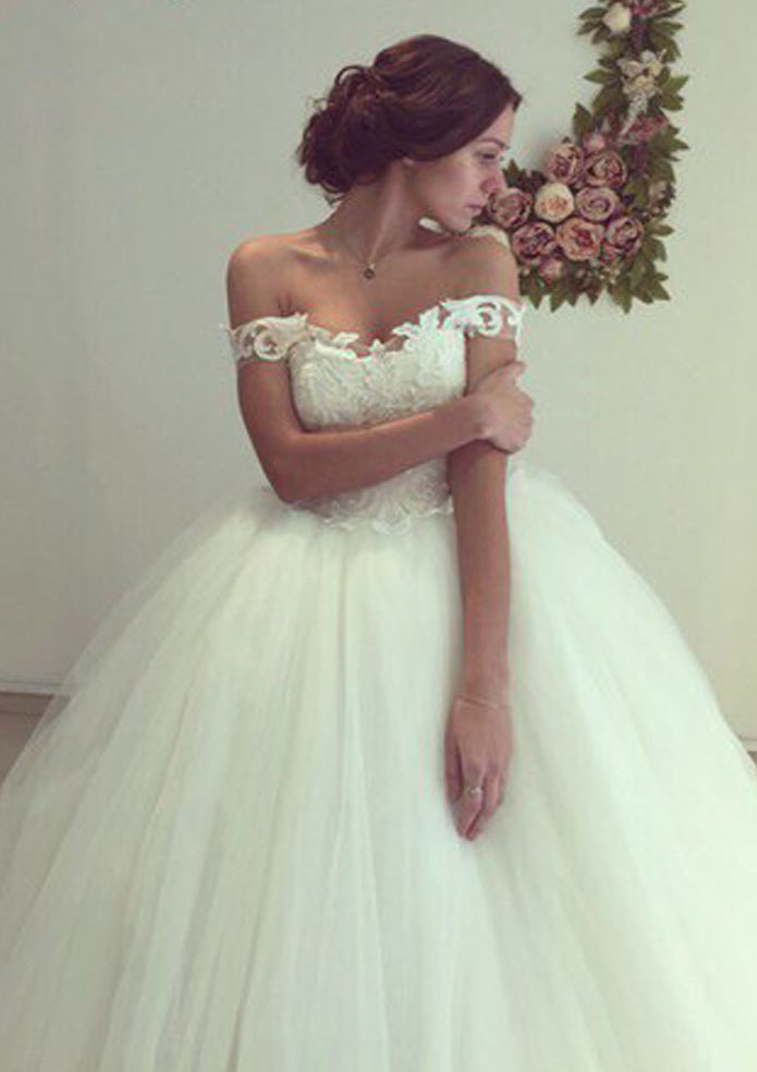8310a96b5af7c Tulle Court Train Ball Gown Sleeveless Off-The-Shoulder Covered ...