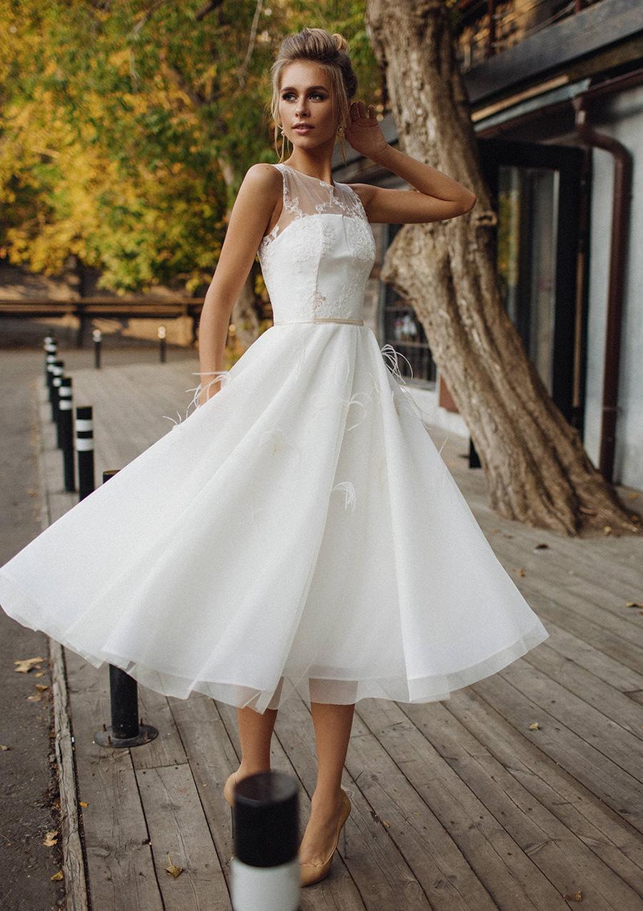 918673d5cf6 A-line Princess Scoop Neck Sleeveless Tea-Length Tulle Wedding Dress ...